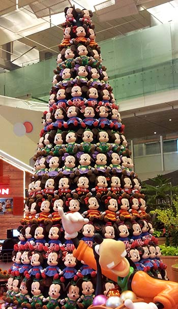 singapore-christmas-tree